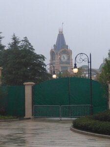 上海ディズニーランドの時計台