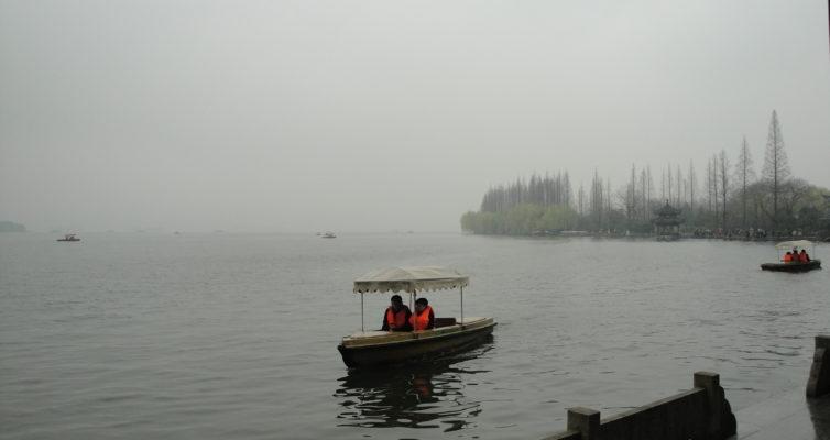 初春の西湖